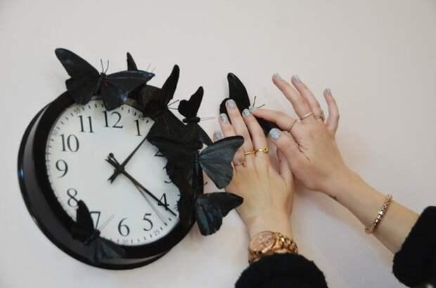 Бабочки вокруг часов (Diy)