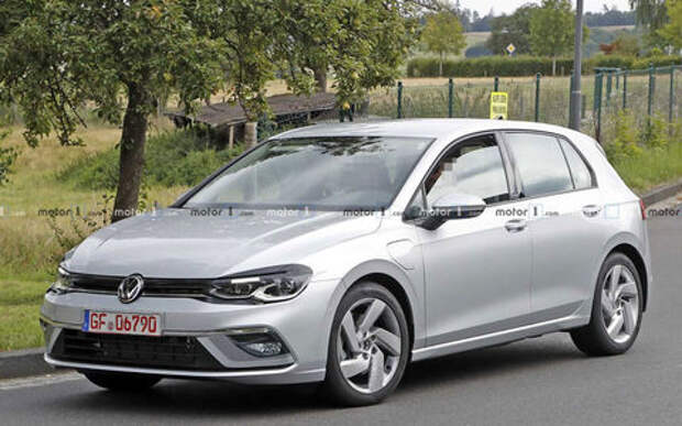 Новые фото: VW Golf перестал быть народным
