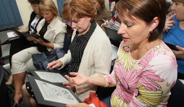 Около 42% школ стали использовать программы с новыми технологиями