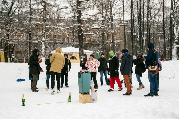 В Санкт-Петербурге прошёл первый чемпионат по стрельбе пробками от шампанского