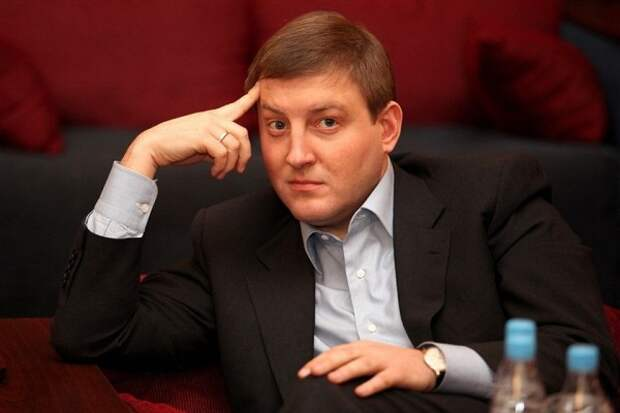СМИ: Руководитель «Единой России» уехал молиться на Афон, несмотря на запрет РПЦ