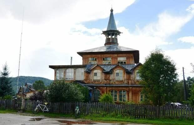 деревянный дом в три этажа