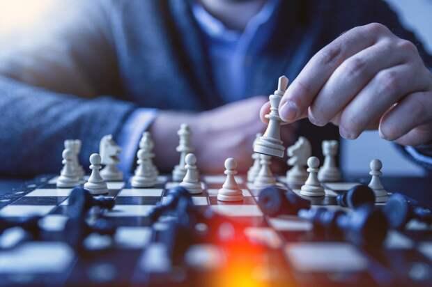 Центр «Шире круг» предложил решить новую серию задач по шахматам