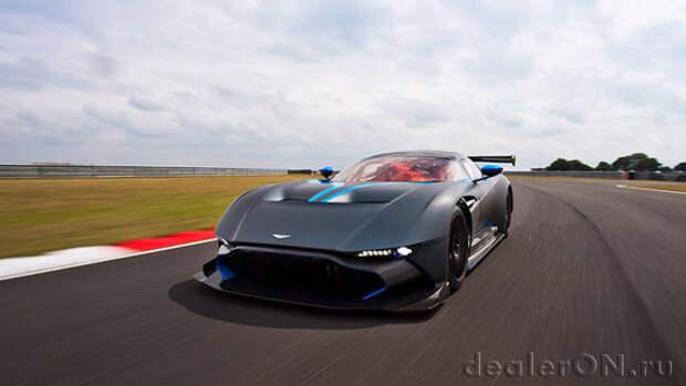 800-сильный Aston Martin Vulcan направляется на 24-часовую гонку в Спа [Видео]