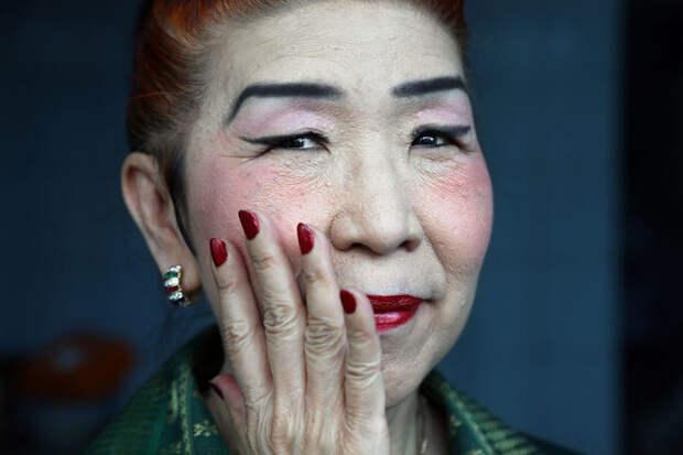 Портрет предсказательницы из Рангуна, Мьянма вокруг света, путешествия, фотография