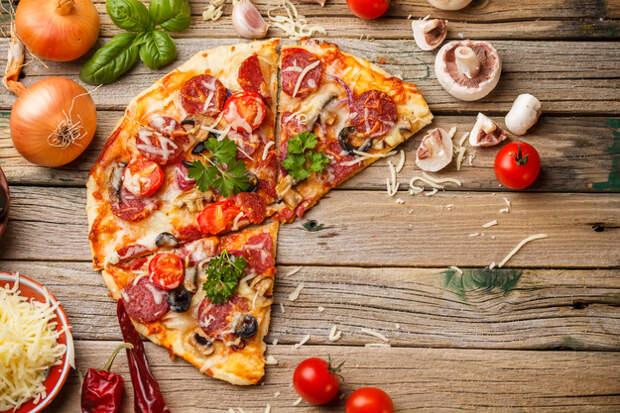 Лучшая пицца: секреты приготовления + 10 оригинальных начинок