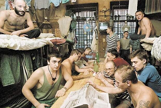 Член комитета Госдумы предлагает сделать службу в армии альтернативой уголовному наказанию.