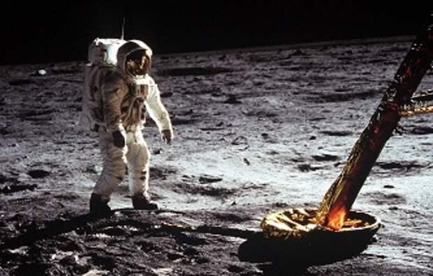 Маркин с юмором воспринял оправдания главы НАСА о полете американцев на Луну
