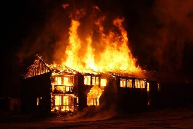 В Малопургинском районе мужчина погиб во время пожара
