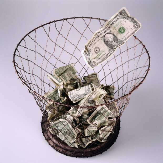 Иран отказался от использования доллара США во внешней торговле