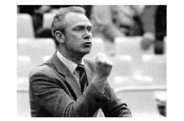 Почему самый титулованный тренер СССР Валерий Лобановский сам штопал свои костюмы?