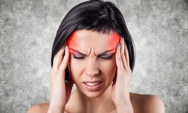Как пытались лечить мигреньв истории: 7 самых странных способов