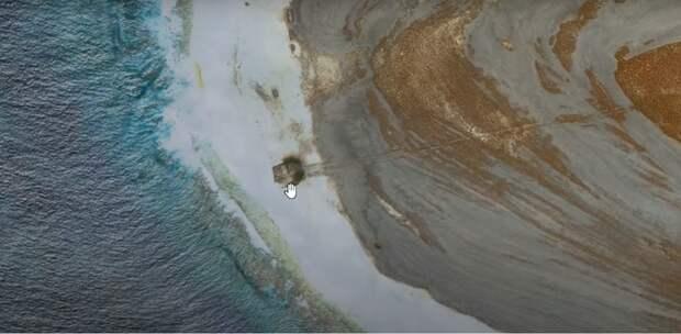Таинственный объект на необитаемом острове в Тихом океане.