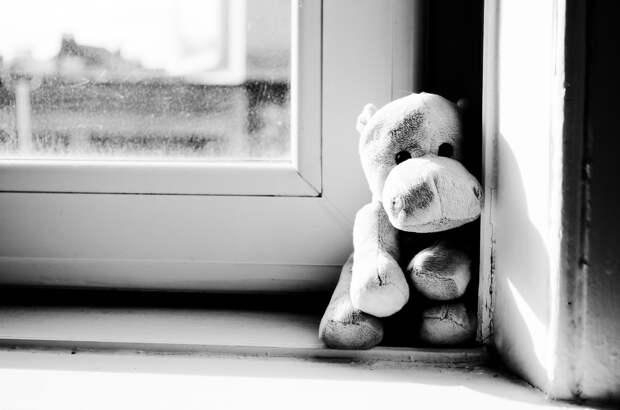 В Ижевске после падения из окна погиб 5-летний мальчик