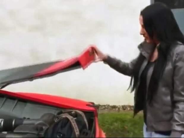 Девушка просто не знала, где багажник у Ferrari (ВИДЕО)