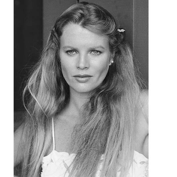 «Лицом не вышли»: 10 звезд, проигравших конкурсы красоты