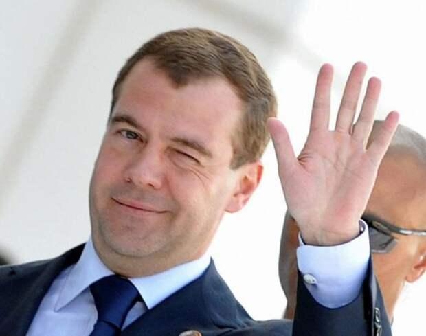 Премьер-министру России понравились севастопольские дороги