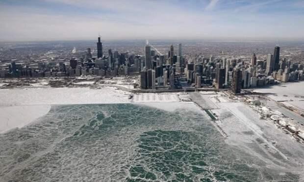 Полярный циклон превратил Чикаго в «ледяное царство»