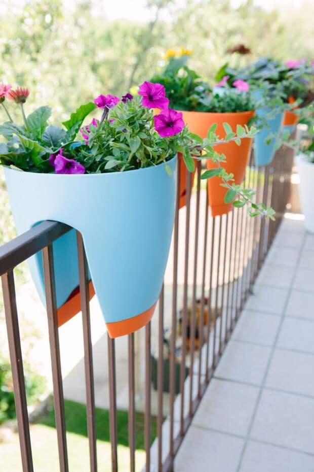 Украсьте перила своего балкона цветочными горшками дизайн, креатив, своими руками