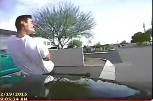 Полицейскому пришлось сбивать преступника патрульным автомобилем