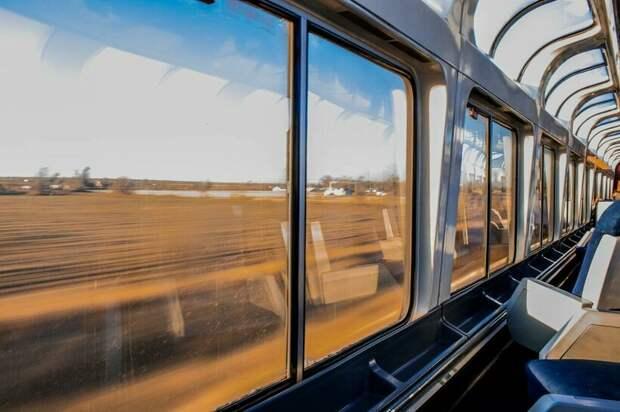 Почему в поездах делают окна с закругленными углами