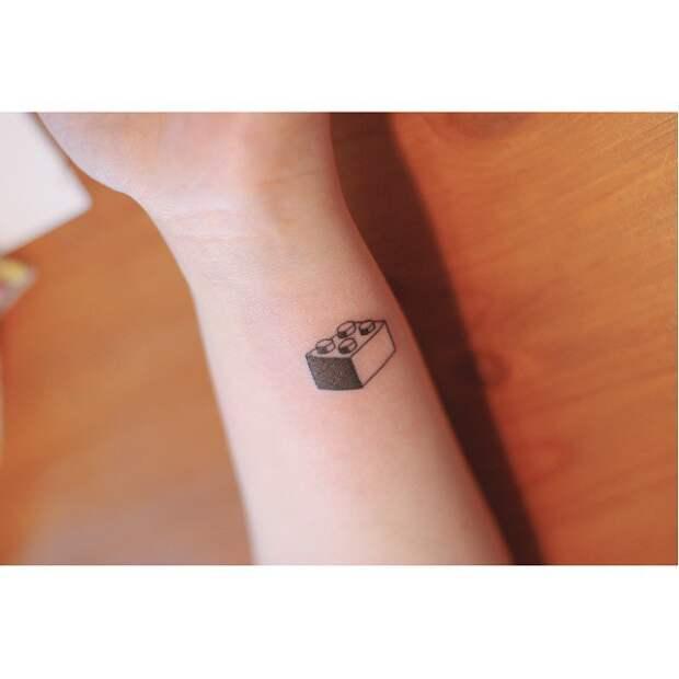 Минималистичные татуировки одним цветом (трафик)