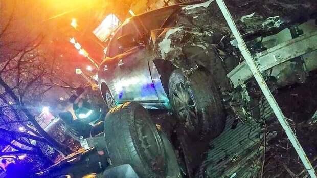 Водитель Infiniti вРостове врезался вавтомобили изабор, пытаясь «уйти» отполиции