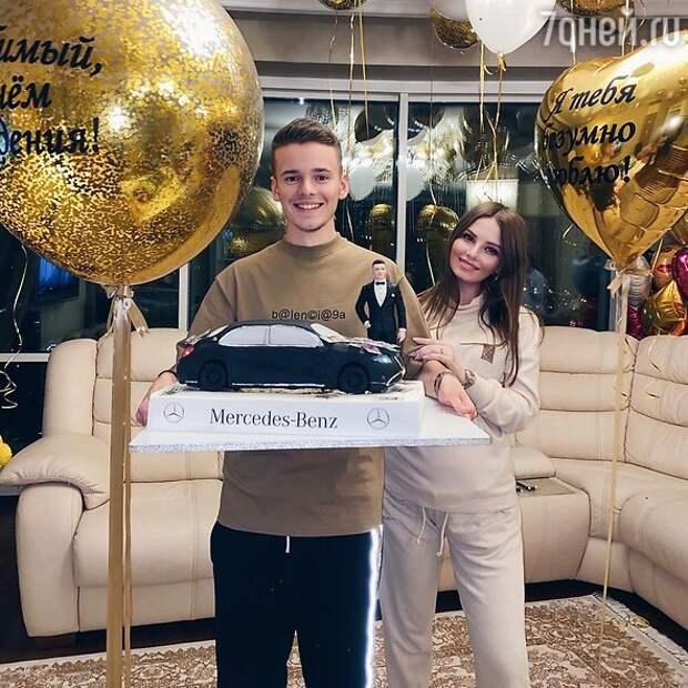 Как съехал из дома в 16 и заработал миллионы: сын Валерии рассказал о бурной юности