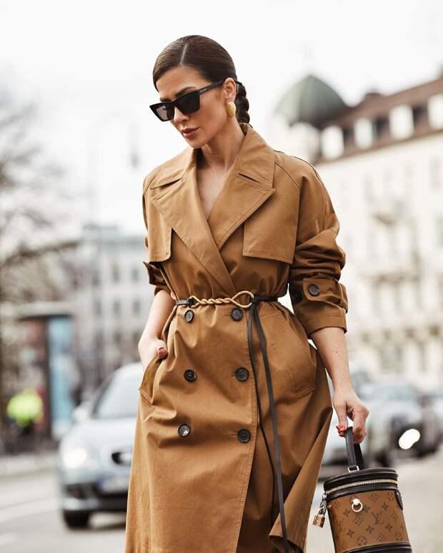Модные плащи 2021: актуальные модели, которые помогут впечатлить окружающих