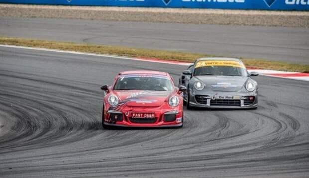 В этом сезоне DTM, в отличие от предыдущих лет, сопровождали не «младшие формулы», а российский Porsche Sport Challenge – кстати, весьма бодрые и динамичные гонки.