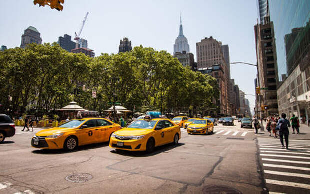 А давайте ограничим количество такси! — предложение в Думе