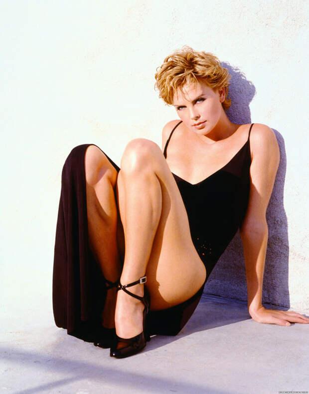Шарлиз Терон (Charlize Theron) в фотосессии Ланса Стэдлера (Lance Staedler) (1997), фото 3