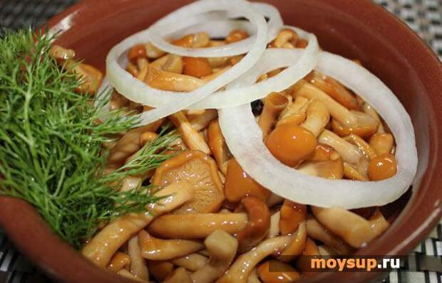 Винегрет с маринованными грибами