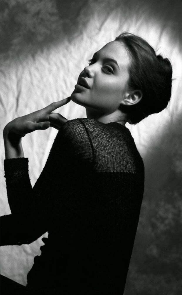 Первая фотосессия Анджелины Джоли, когда ей было всего 15 лет