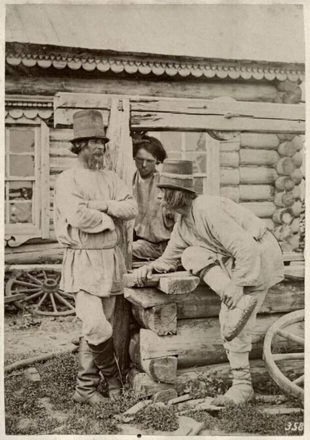 Крестьяне за разговором. Симбирская губерния, 1871-1878 годы.  Автор фото - Вильям Каррик