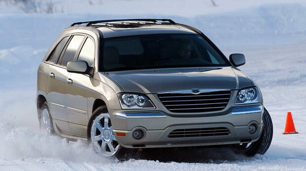 Пятиметровый Chrysler Pacifica выпускался в период 2003-2008 гг. Компания выпустила 374 111 экземпляров кроссовера с передним и полным приводом