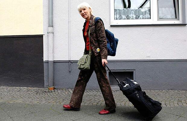 Вдохновляющие истории !!! В назидание нам: Хайдемари Швермер из Германии 15 лет не пользуется деньгами ...