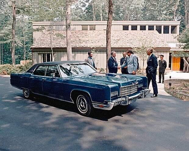 Lincoln Continental, президент Никсон и генсек Брежнев.