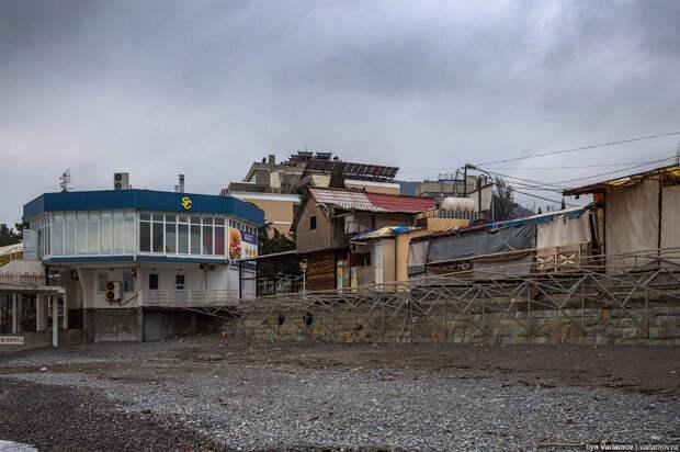 Алушта: курорт-антиутопия