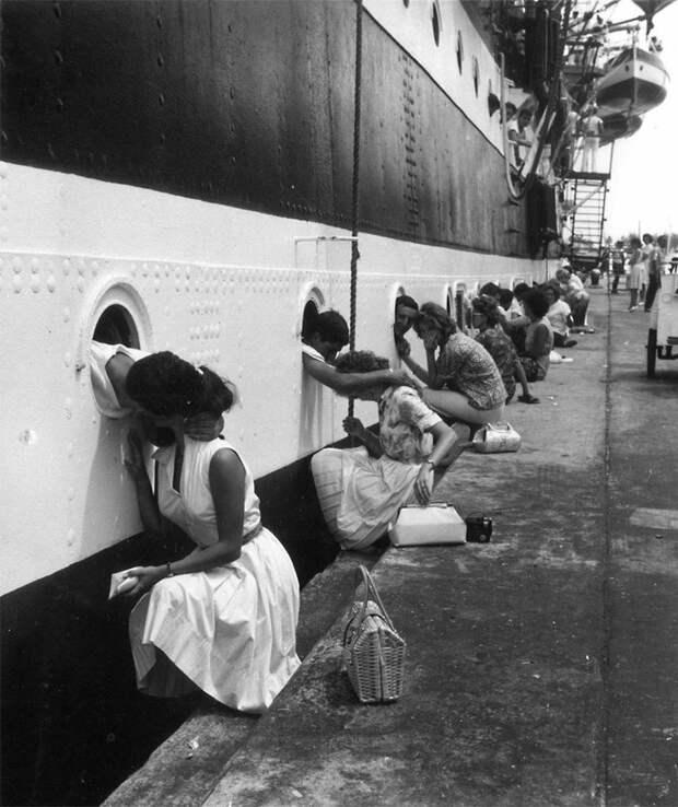 Исторические фотографии о любви во время войны