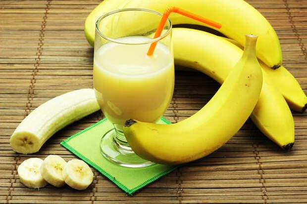 Банановый коктейль с лимоном