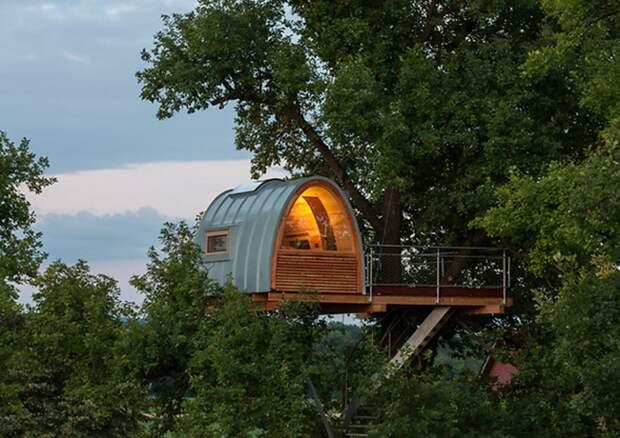 Дом на дереве в Северной Германии.
