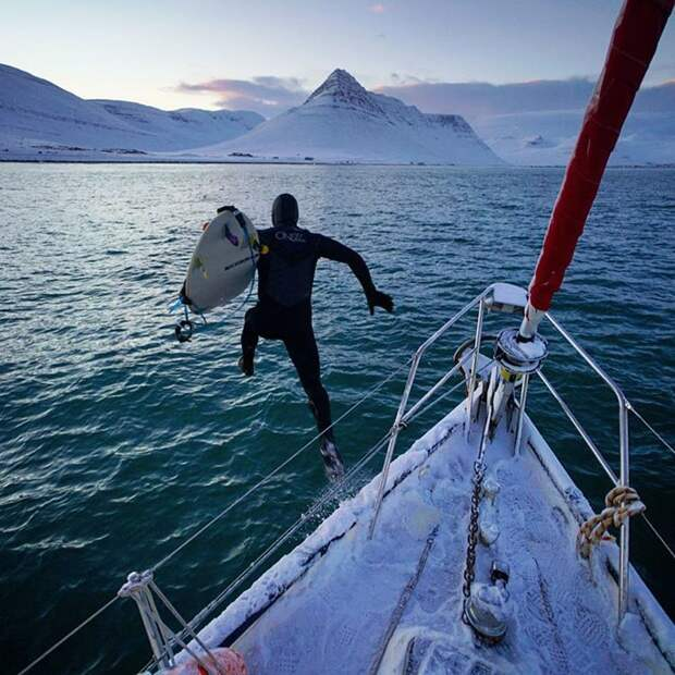 Покоритель волн, исследователь и путешественник: лучшие тревел-фотографии Криса Буркарда