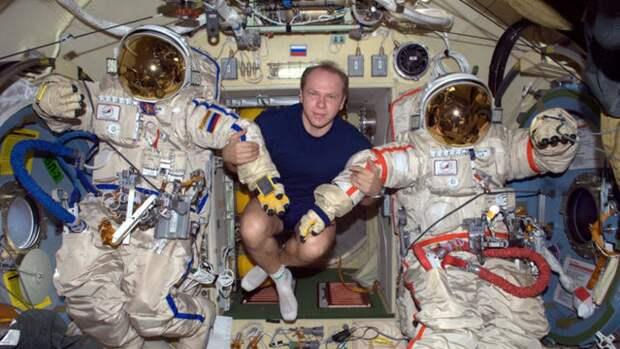 Программу страхования космонавтов разработают в России