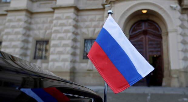Пошли на принцип: из Праги вышлют несколько десятков сотрудников российского посольства