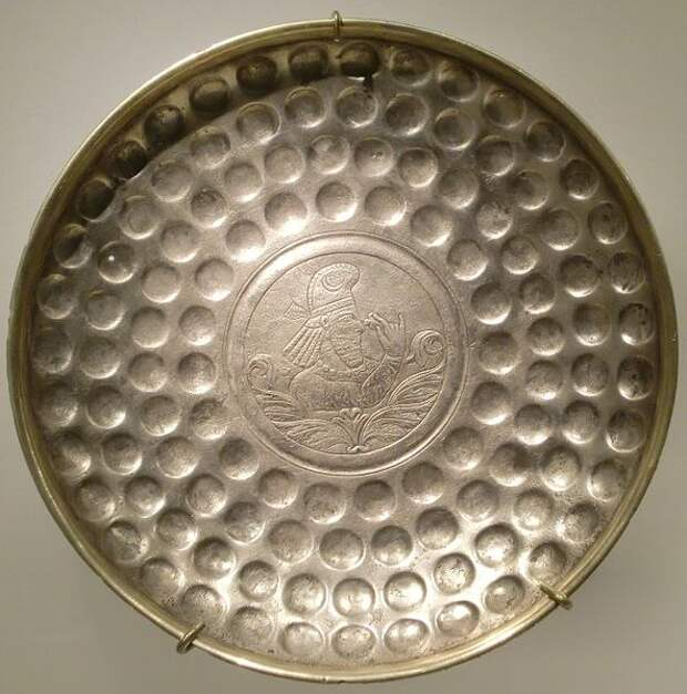 Царские металлические блюда. Иран.