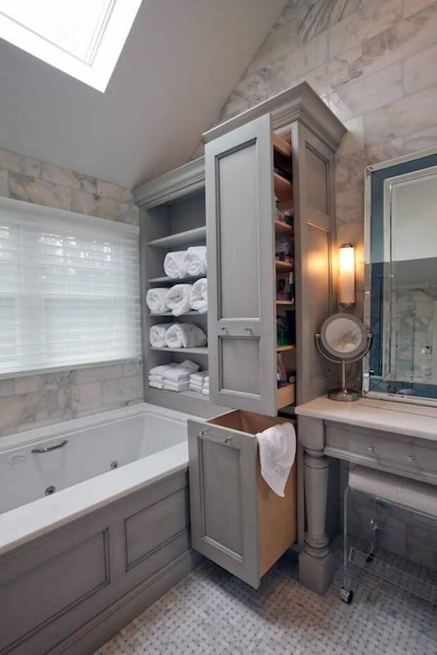 Порядок в ванной комнате с помощью встроенных полок и шкафов