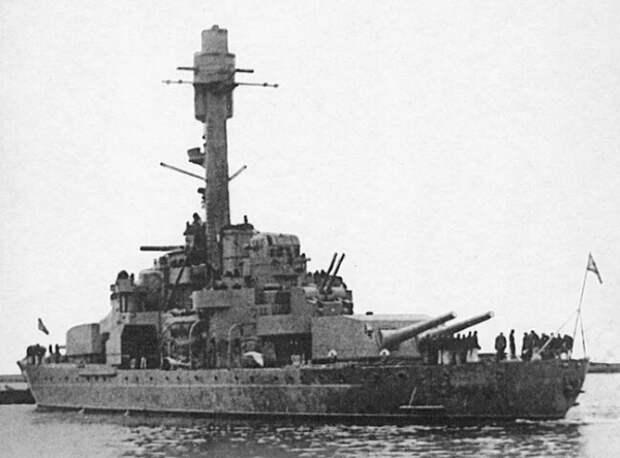«Вяйнямейнен»: почему советские лётчики не смогли уничтожить финский броненосец