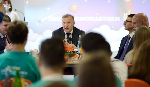 В День космонавтики глава Адыгеи встретился с воспитанниками детского технопарка «Кванториум»