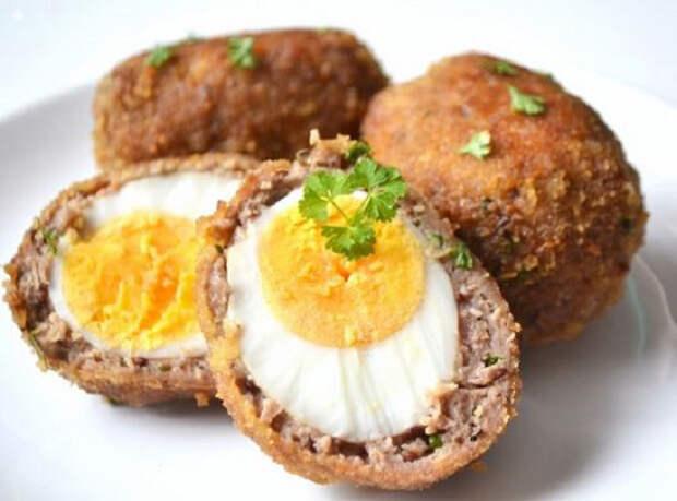 Яйца по-шотландски: легендарная закуска, которую хочется попробовать без промедления